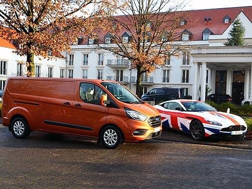 Тест-драйв Ford Transit Custom. Новый стандарт в коммерческих фургонах