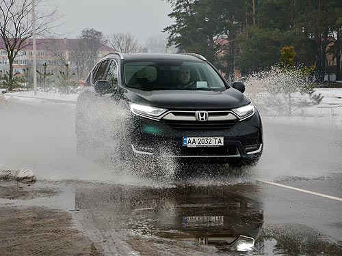 Тест-драйв Honda CR-V. Красавица, которая не боится чудовища - Honda