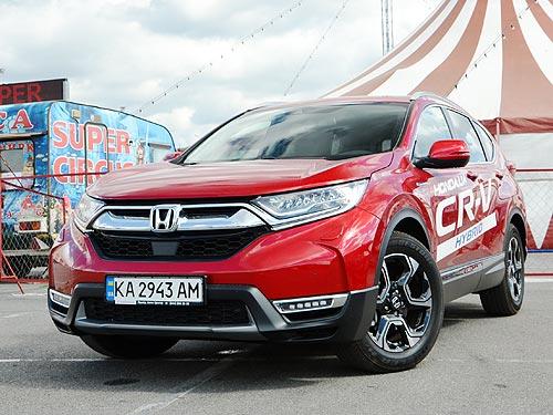 Тест-драйв Honda CR-V Hybrid: Чем умный гибрид отличается от обычного