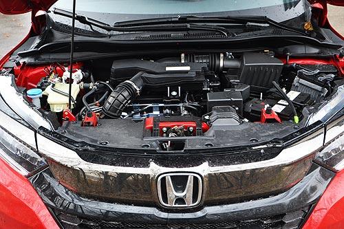 Спортивный костюм или реальный драйв? Тест-драйв Honda HR-V Sport - Honda