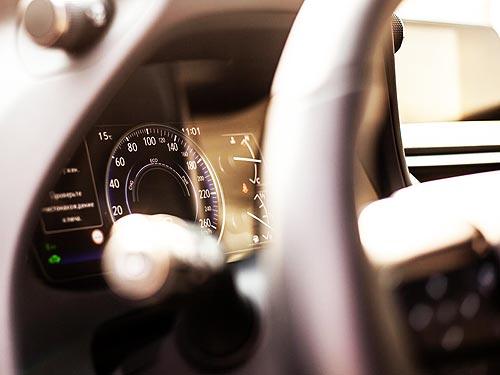 Тест-драйв компактного кроссовера Lexus UX: «Ух»! - Lexus