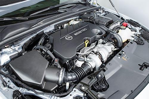 Тест-драйв Opel Insignia New: Что получилось на пути к премиум-классу