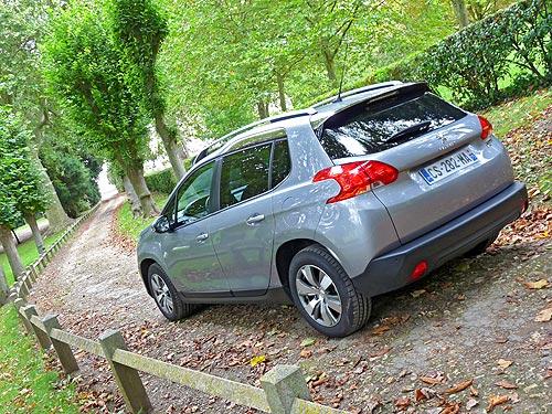Тест-драйв Peugeot 2008: кроссовер с повадками хэтчбека