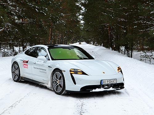 На электрическом спортивном «Порше» по снегу. Первое знакомство с Porsche Taycan 4S