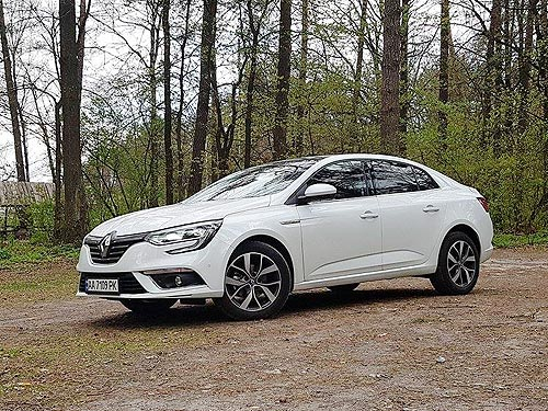 Тест-драйв Renault Megane Sedan: Volkswagen больше не эталон - Renault