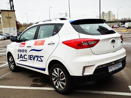 Как показал себя на украинских дорогах самый доступный электрический кроссовер в Украине. Первое знакомство с JAC iEV7S