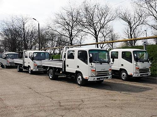 На базе грузовиков JAC в Украине выпустили несколько интересных модификаций - JAC