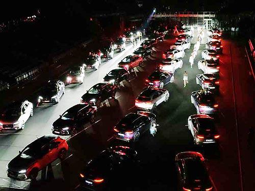На Неделе Моды в Париже приняли участие электрифицированные автомобили DS