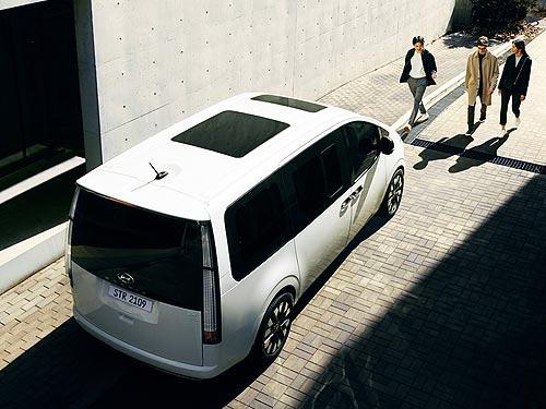 Hyundai официально представил новую линейку MPV c футуристическим дизайном - Hyundai