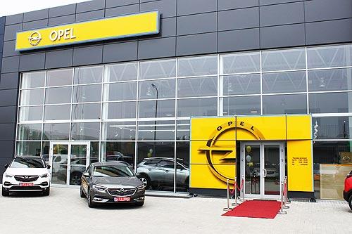 Бренд Opel отправляет за титулом «Автомобиль года в Украине 2021» сразу шесть автомобилей - Opel