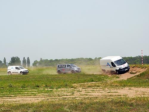 Проверяем возможности Dangel 4x4 на бездорожье: Peugeot Traveller 4x4, Citroen Jumper и Peugeot Partner 4x4 - Dangel