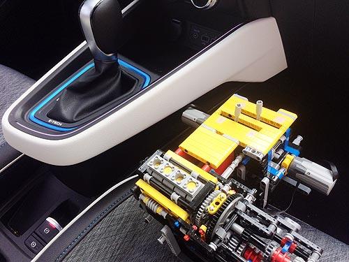 Renault с помощью конструктора LEGO создала инновационный гибридный E-TECH силовой агрегат - Renault