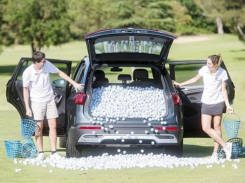 Идеальный автомобиль для гольфа. Проверено, сколько мячиков для гольфа влазит в багажник SEAT Tarraco - SEAT