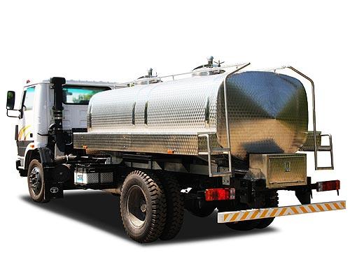 На базе TATA LPT 1116 появился молоковоз - TATA