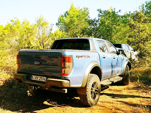 Забудьте все, что вы знали о пикапах. Подробности о сверхмощном Ford Ranger Raptor. Наш репортаж - Ford