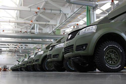 В августе Богдан передал в армию более 100 автомобилей - Богдан
