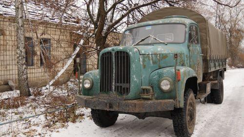 В украинской армии служит раритетный швейцарский грузовик