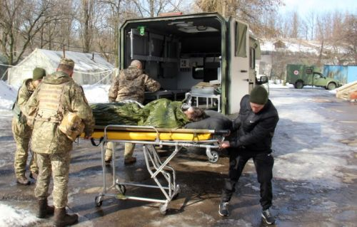 Богдан 2251 спасают раненых на передовой