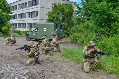 Медицинские Богдан 2251 приняли участие в комплексе медицинской эвакуации