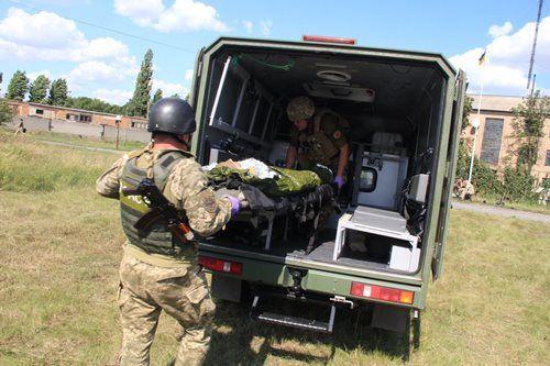 Внедорожники Богдан 2251 приняли участие в соревнованиях боевых медиков