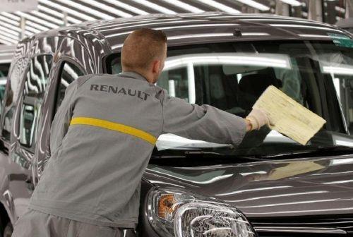 Заводы Renault и PSA во Франции остановились из-за коронавируса