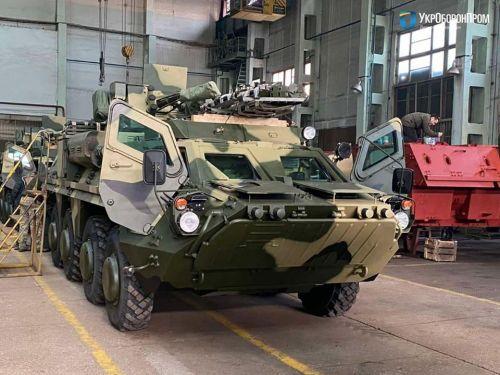 Украинские военные получили очередную партию БТР-4Е
