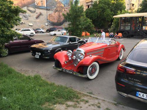 В Украине заметили редчайший довоенный родстер Mercedes-Benz