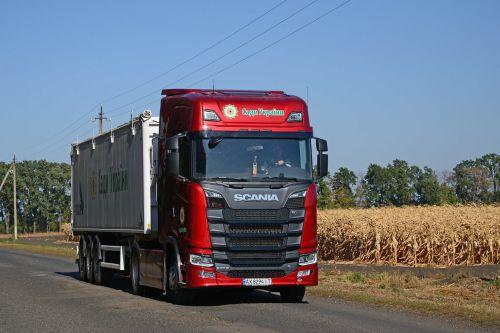 Кто, в аграрном секторе Украины, купил самый топовый тягач Scania V8 с S-кабиной