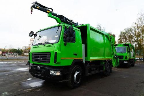 МАЗ представил необычный мусоровоз с краном манипулятором