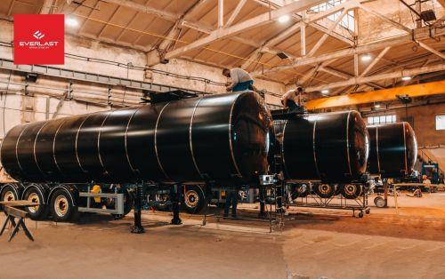 В Украине доступны стоковые версии битумовозов - битумовоз