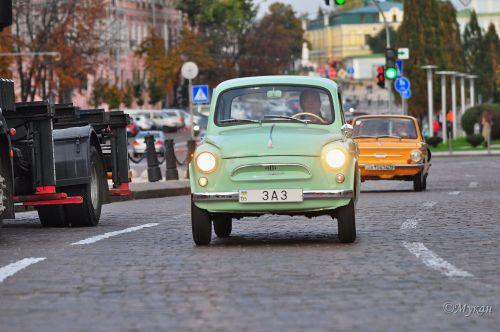 В Киеве на День автомобилиста прошла выставка ретротехники