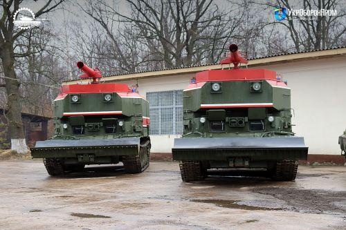 Львовский бронетанковый завод передал ВСУ 10 единиц пожарных танков - пожарный танк