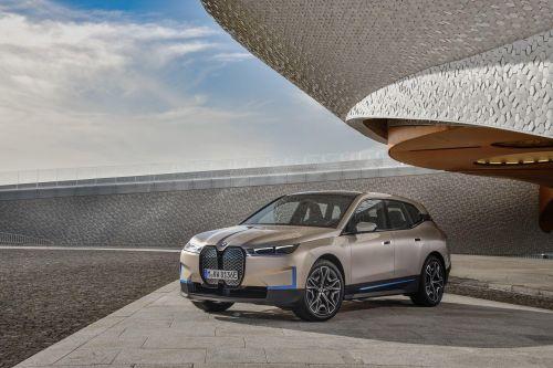 BMW представила электрический кроссовер iX с запасом хода 600 км - BMW