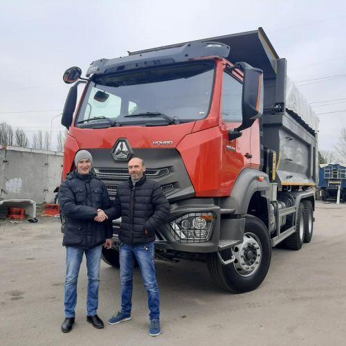 Новинка этого сезона - грузовик Hohan H7G уже отправился работать в Кривой Рог