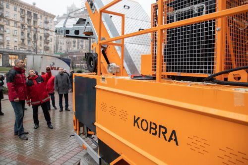 Какую новую спецтехнику закупили в Киеве - спецтехн
