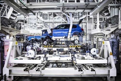 BMW окончательно решит в этом году строить ли собственный завод в России