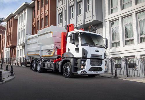 Ford Trucks представил городской грузовик с поворотной задней осью