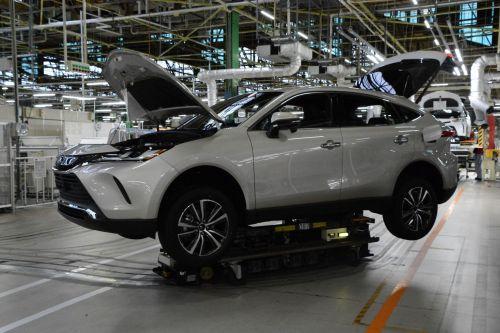 Из-за последствий землетрясения Toyota остановила сборку автомобилей на девяти заводах