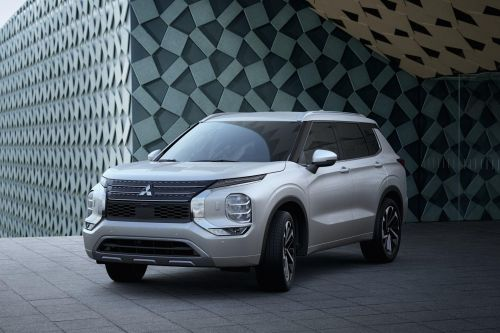 Mitsubishi будут собирать на заводах Renault