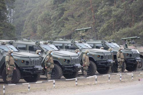 На какой технике теперь ездят ВСУ в зоне ООС на Донбассе - Варта.
