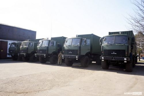 ВСУ получили 19 спецавтомобилей бытового обеспечения