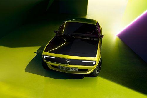 Opel сообщил подробности об электрическом купе Manta