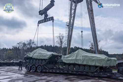 Житомирский бронетанковый завод продолжает передавать БМП-2 для ВСУ
