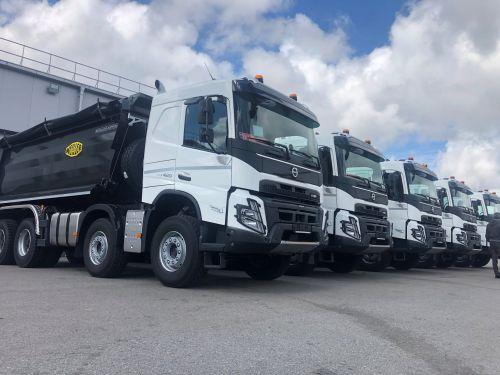 В Украину поставлены первые самосвалы Volvo FMX нового поколения - Volvo Trucks