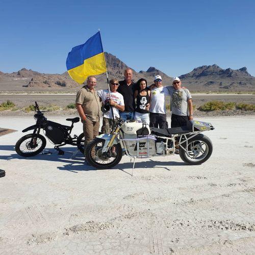 Украинский гонщик установил рекорд скорости на электромотоцикле Dnepr Electric