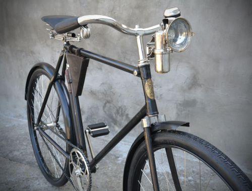 """В Украине найдет самый ранний довоенный велосипед """"Украина"""" 1927 года"""
