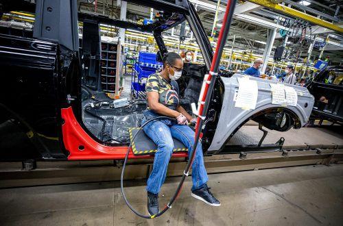 Стали известны сроки окончания дефицита микрочипов для производства автомобилей - чип