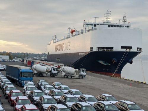В порту Черноморск установили рекорд разгрузки судна с автомобилями