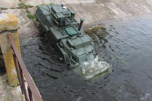 В Украине остановилось производство БТР-4. Персонал завода распускают. Кто же виноват?