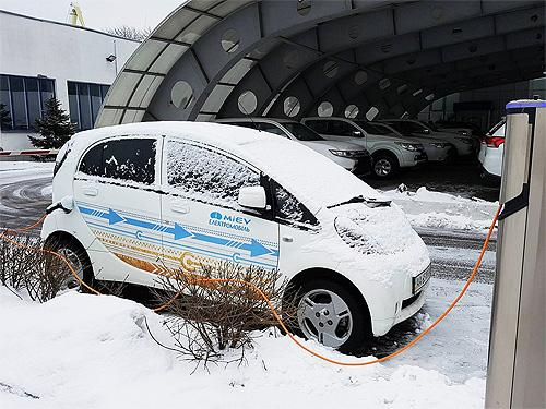 Скачёк напряжения: Для электромобилей наступил переломный момент - электромоб